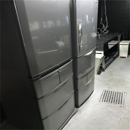 厨房の冷蔵庫は向かって左手『レンタル利用者様』と書かれた冷蔵庫をご利用ください。