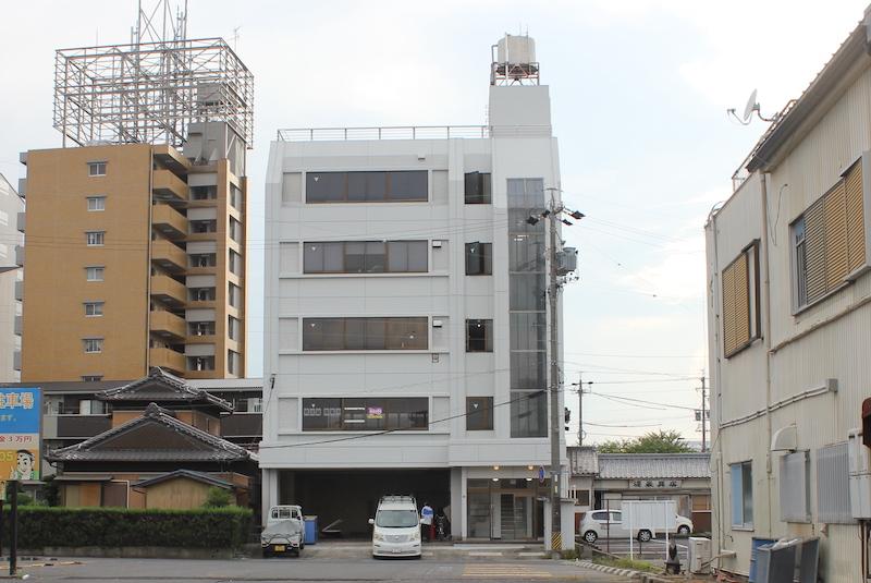 平田町駅5分。ひらたや商店さん西裏